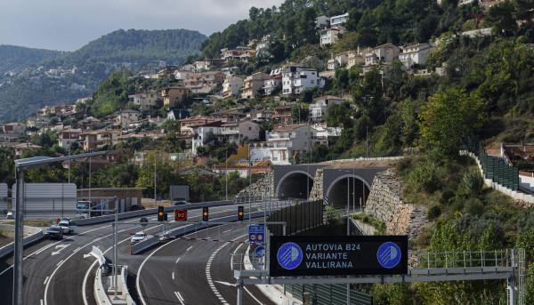 Semáforos en tuneles de Vallirana